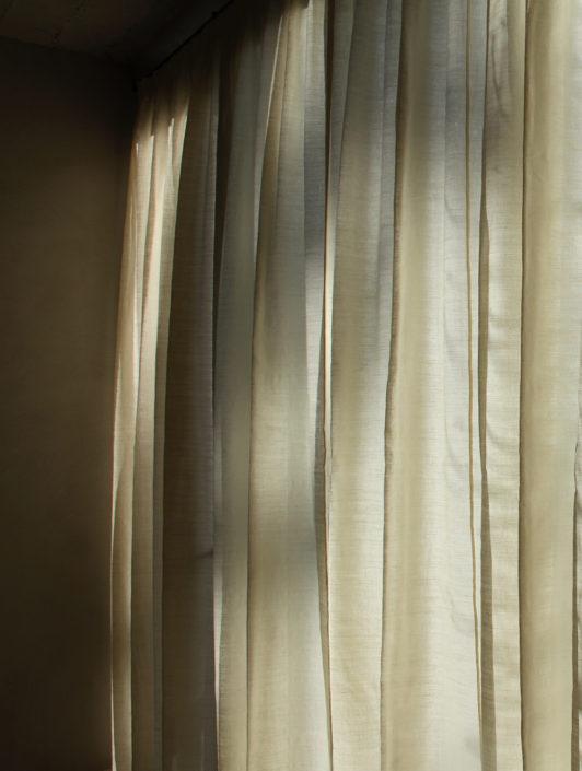 the linen house, bank, decoratie, interieur, gordijn, sfeer, kussen, decoratie, store, gordijn, woning, gordijnen, zetels, bekleden, bedlinnen, tafellinnen, sprijen, finishing touch, advies, tailor made, architecten, perfectie, vlaanderen